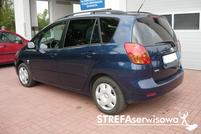 4 Toyota Corolla Verso Tył 5%