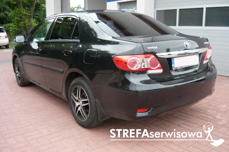4 Toyota Corolla sedan Tył 20%