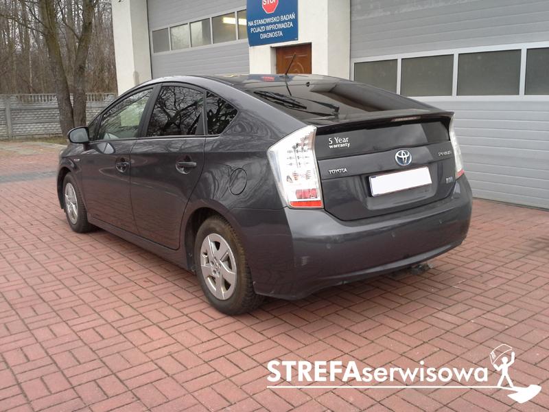 4 Toyota Prius III Tył 20%