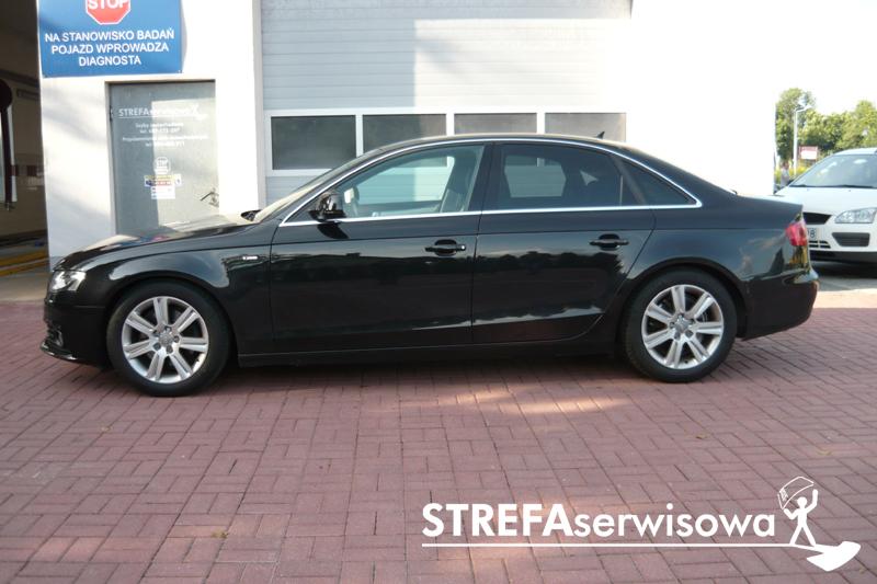 2 Audi A4 B8 sedan Tył 35%
