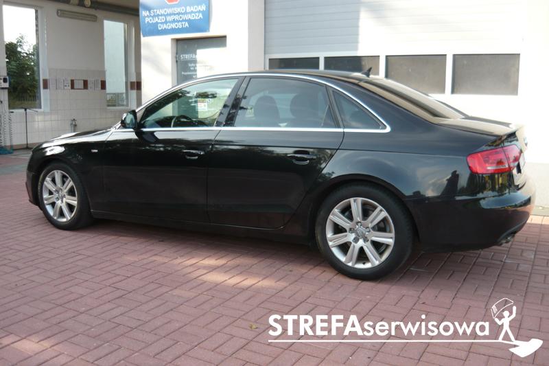 3 Audi A4 B8 sedan Tył 35%