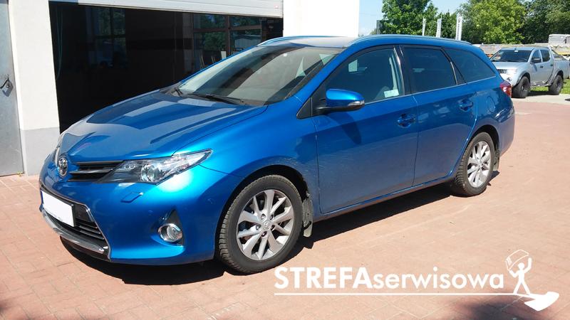 1 Toyota Auris II kombi Tył 20%