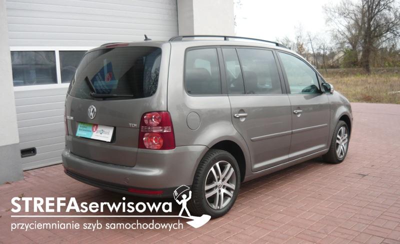 10 VW Touran Tył 20%