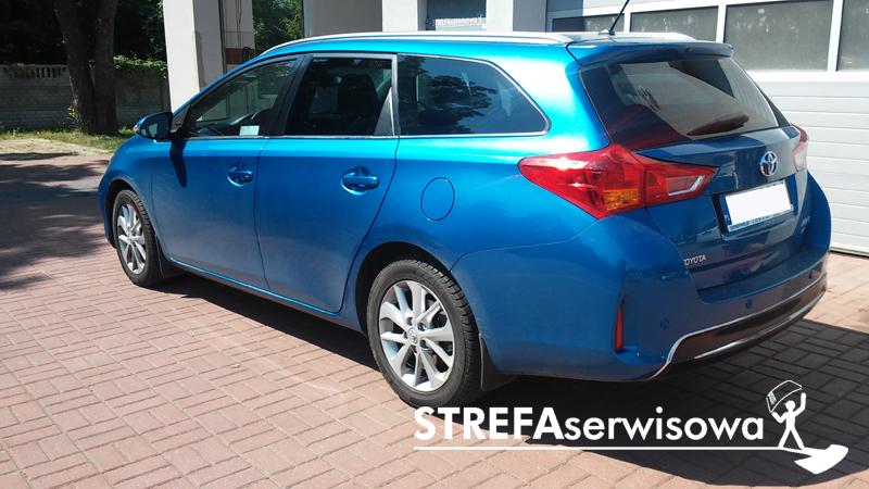 4 Toyota Auris II kombi Tył 20%