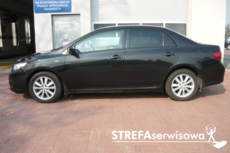 5 Toyota Corolla sedan Tył 20%