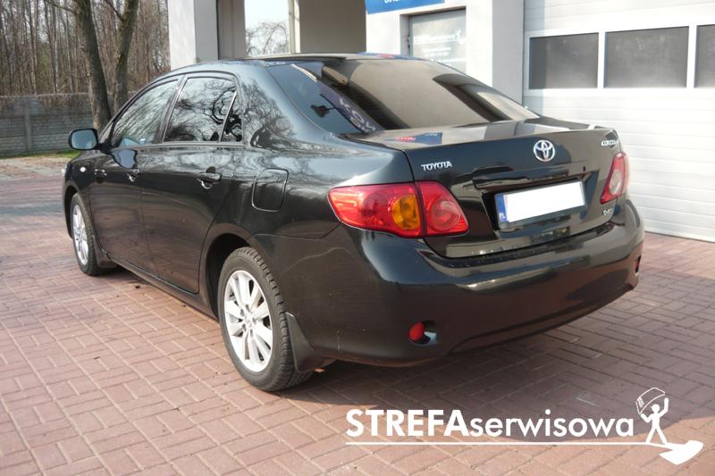 8 Toyota Corolla sedan Tył 20%